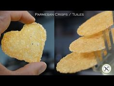 Cheese crisps made out of Trader Joe's cottage cheese. These Cottage Cheese Chips are a healthier alternat. Appetizer Recipes, Snack Recipes, Snacks, Appetizers, Tuiles Recipe, Food Garnishes, Garnishing Ideas, Parmesan Crisps, Caramel