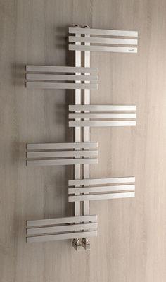 Radiateur sèche-serviettes RADO avec design attirant par des tubes rectangulaires, version mixte combiné : électrique et eau chaude Dimensions: 600x1190 mm pour puissance 254 w   Couleur: Inox brossé