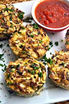 Savory Quinoa Muffins (Gluten-Free) I'd make these with Parmesan, sun-dried tomatoes & maybe spinach