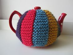 Hand knitted tea cosy pattern free free knitting patterns katie tea cosy pattern by libby summers dt1010fo