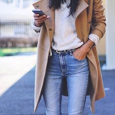 Casual chic for fall / camel coat / fashion / street style / outfit inspiration / denim / t shirt Fall Winter Outfits, Autumn Winter Fashion, Winter Style, Casual Winter, Autumn Style, Winter Clothes, Winter Wear, Winter Dresses, Mode Outfits