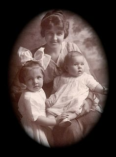 +~+~ Antique Photograph ~+~+  Ruth Marie Hinson Tate with children Margaret and James.  1914