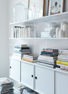 STRING SYSTEM, create your own modular storage system, from A to Z - Original version, designed and manufactured in Sweden - deco and design Estilo Interior, Home Interior, Interior Styling, Scandinavian Interior, String Regal, String Shelf, Decor Inspiration, Shelving Systems, Open Shelving