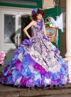 Elegant Dresses, Beautiful Dresses, Formal Dresses, Wedding Dresses, Ball Dresses, Ball Gowns, Ballroom Gowns, Disney Princess Dresses, Beautiful Costumes