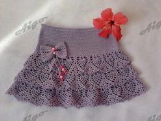 Click to view pattern for - Crochet gray skirt for girl