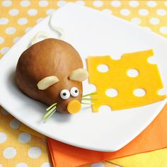 Cute Snack Idea: The Mouse Loves Cheese