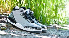 "Der Air Jordan 3 Retro ""Wolf Grey"". Release 19-07-2014, instore first!  http://www.soulfoot.de/de/Sneaker/Air-Jordan-3-Retro,50,136064-004.html  #jordan #airjordan #aj3 #wolfgrey #sneaker #slft #soulfoot"