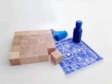 It contains 25 wooden cubes engraved on six faces with different emotions. Children can reassemble the cubes as a puzzle and try out the technique of woodcut (xylography). Kid Picks, Wooden Cubes, Different Emotions, Top Toys, Niece And Nephew, Soft Dolls, Cool Baby Stuff, Kid Stuff, Toy Boxes