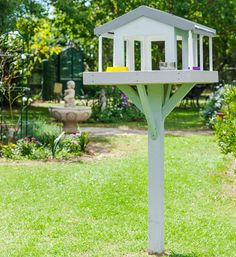 How to build a bird feeder: Build a haven for birds in your back yard to enjoy nature's flying visitors.