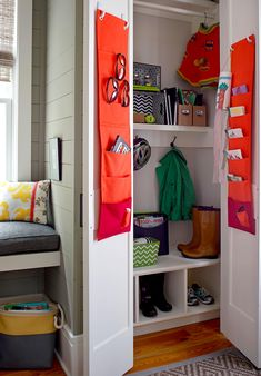 Use cloth or plastic dividers with multiple slots and simple (easily removable) plastic hooks. Stash daily-use items -- sunglasses, keys, etc. -- or designate a pocket for each family member. Door Storage, Closet Storage, Closet Organization, Kitchen Storage, Organization Ideas, Pegboard Storage, Kitchen Organization, Clearing Out Clutter, Declutter Your Home