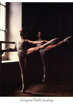 LENINGRAD BALLET ACADEMY: 2nd YEAR PUPILS. PHOTO BY SETH EASTMAN MOEBS, 1989