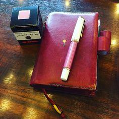 ピンク縞には、やっぱりピンク系のインクを入れたいな(*´ ˘ `*)♡  #万年筆 #インク