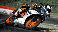 KTM RC390 & RC200 specifications and photographs