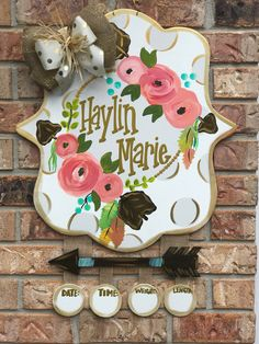Hospital Door Hangers, Baby Door Hangers, Wooden Door Hangers, Wooden Doors, Birth Announcement Sign, Birth Announcements, Christmas Wood, Painted Doors, Party Signs
