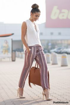 Pour ce post 52 Casual Summer Work Outfits for Professionals 2019 vous naviguez. 52 Casual Summer Work Outfits for Professionals 2019 Si vous aimez notre … Casual Work Outfit Summer, Work Casual, Casual Chic, Summer Outfits, Casual Office, Business Casual, Outfit Work, Office Chic, Classy Chic