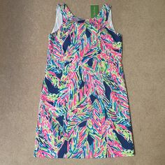 Lily Pulitzer Shift Dress Size 2 NWT Lily Pulitzer Cathy Shift dress size 2. NWT. Never worn, bought the wrong size. Lilly Pulitzer Dresses Mini