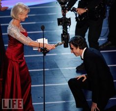 "The Academy Awards Ceremony Daniel Day-Lewis Best Actor Oscar for ""There Will Be Blood"" 2007 Presenter: Helen Mirren Academy Award Winners, Oscar Winners, Academy Awards, Hooray For Hollywood, Hollywood Icons, Oscar Photo, Rebecca Miller, Best Actress Oscar, Dame Helen"