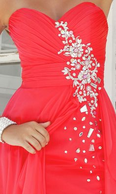such a pretty color. Dream prom dress color <3