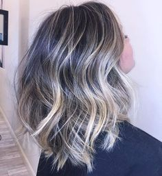 High contrast and Perfectly blended. Obsessed with this lived in Balayage by @hairbymitchiemitchh