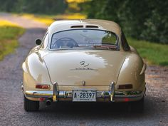 1955 Mercedes-Benz #300SL #Gullwing. Seen at: www.classicdriver.com.