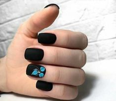30 Wunderschöne Black Ombre Nail Art Designs 2018 5 practical ways to apply nail polish without errors Es ist fas Black Ombre Nails, Black Nails With Glitter, Black Nail Art, White Nails, Ombre Nail Art, Nail Art Designs, Black Nail Designs, Pretty Nail Designs, Hair And Nails