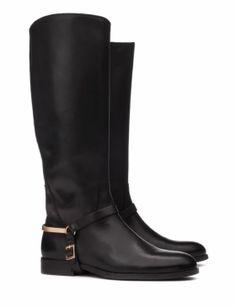 Botas de piel con espora dorada de it shoes #botas #boots #negro #black