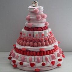 Pièce montée en bonbons mariage Milk-Shake fraise