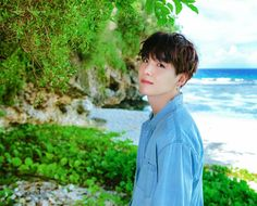 Summer collection 2018 just look at this flawless babe 💜😻 Bts Summer Package, Be My Baby, Bts Suga, Beautiful Boys, Summer Collection, The Funny, Picture Video, Best Quotes