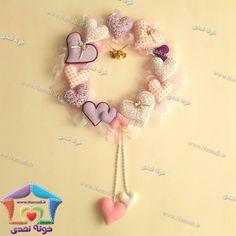 . حلقه قلبی قلبی . . . قیمت 95 تومان قطر 35 سانت . . #نمدی #خونه_نمدی #سیسمونی #گیفت #نوزاد #felt #feltro #kece #namadi #دیزاین #دکوراسیون #تزئینات #لوکس