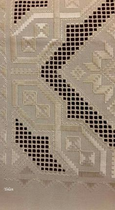This Pin was discovered by neş Embroidery Designs, Types Of Embroidery, Learn Embroidery, Embroidery For Beginners, Hardanger Embroidery, Cross Stitch Embroidery, Paper Embroidery, Brazilian Embroidery, Doily Patterns