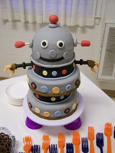 Groom's Robot Cake, via Flickr.