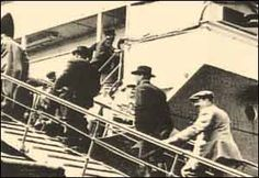 Titanic Passengers boarding the Titanic