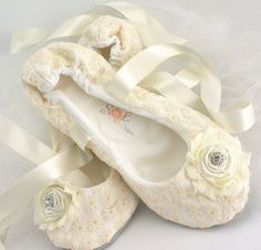 Ivory Bridal Flats Ballet With Embroidered Lace Handmade Flowers And Jewels