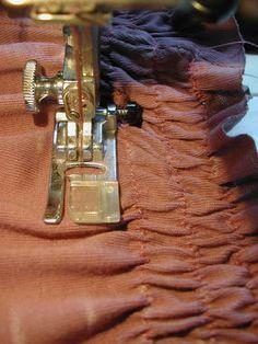 Great tutorial for elastic shirring = elastic thread in the bobbin