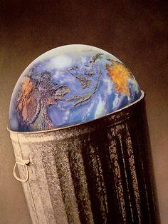 Fique ligado em seu consumo, não há lugar outro para os resíduos que dele derivam que não o aqui. Por isso cuide deles, afinal, o respeito por sua opção é condição de liberdade, mas implica em sua responsabilidade por suas escolhas.    Imagem por Loui Jover