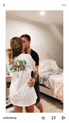 Be touching Of These 36 Cute And Romantic Teenage Relationship Goals - YoGoodLife Boyfriend Goals, Future Boyfriend, Boyfriend Girlfriend, Relationship Goals Pictures, Cute Relationships, Cute Couples Goals, Couple Goals, Calin Couple, Couple Tumblr