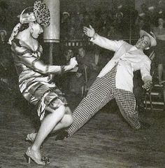 NEW CLASS *Starting September *Intermediate Harlem Swing Dance Class with Spirit Moves Styling. Shall We Dance, Lets Dance, Party Fotos, Vintage Black Glamour, Vintage Style, Lindy Hop, Swing Dancing, Harlem Renaissance, African American History