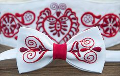 Ručne vyšívaný jednolistový unisex motýlik s podobným vzorom ako na opasku Čatajský... Autism Activities, Heart Of Europe, Folk Costume, Knitting Patterns, Gifts, Accessories, European Countries, Czech Republic, Weddings