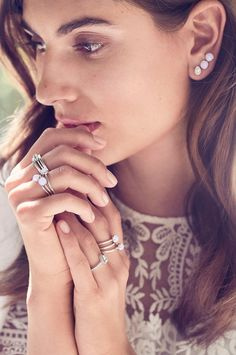 See yourself from a whole new angle with PANDORA geometric designs in sterling silver. Mix and match them with Ocotbers blush pink birthstones to sweeten the deal.