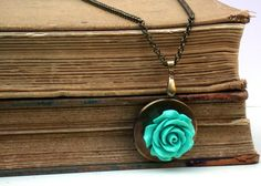 For vintage style lovers  Old Style Rose by roomofyourown on Etsy, $34.00