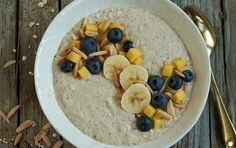Kickstart your morning with a smoothie bowl infused with chai tea. Scented with an aromatic mix of spices and Greek yogurt, this smoothie bowl is packed. Peanut Butter Breakfast, High Protein Breakfast, Free Breakfast, Breakfast Bowls, Breakfast Recipes, Breakfast Ideas, Breakfast Toast, Breakfast Time, Smoothie Bowl