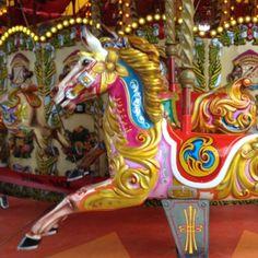 Pueris eternus #london #bigeyes #color #tudojuntoaomesmotempo #carrossel #kids