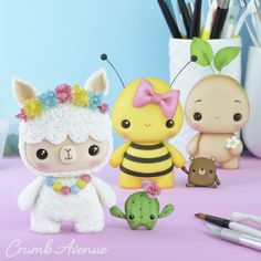 To make all these cake toppers I used the 'Baby Dino' templates :] They are available in my Cute Polymer Clay, Cute Clay, Polymer Clay Charms, Cake Topper Tutorial, Fondant Tutorial, Bubble Cake, Crea Fimo, Dino Cake, Diy Broderie