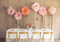 Vibrant spring wedding ideas 5 Baby Shower con fiori e un tocco doro