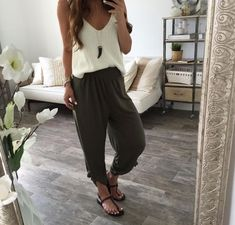 41 cozy white pants outfit summer ideas my style стиль, брюк Summer Pants Outfits, Warm Outfits, Summer Outfits Women, Stylish Outfits, Spring Outfits, Cool Outfits, Outfit Summer, Harem Pants Outfit, White Pants Outfit
