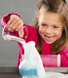 El psicólogo y pedagogo estadounidense Jerome Bruner desarrolló en la década de los 60 una teoría del aprendizaje de índole constructivista, conocida como aprendizaje por descubrimiento o aprendizaje heurístico. La característica principal de esta teoría es que promueve que el alumno (aprendiente) adquiera los conocimientos por sí mismo. Esta forma de entender la educación implica …