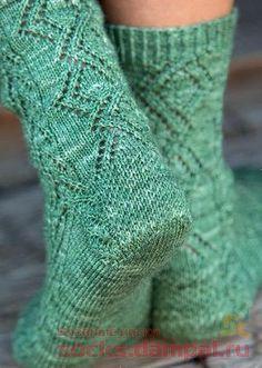 Knitting Stitches, Knitting Socks, Knitting Patterns Free, Sewing Patterns, Lace Socks, Crochet Socks, Knit Crochet, Bamboo Socks, Sock Toys