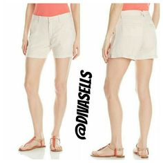 Calvin Klein Shorts 53 % Linen 47 % Viscose  Made in Cambodia  Beige with pink hint Calvin Klein Shorts