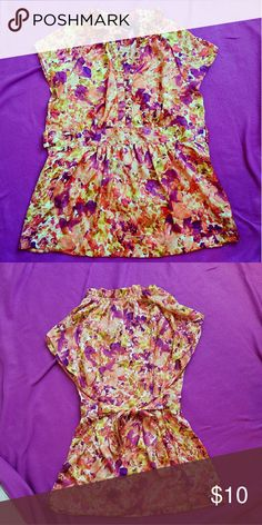 Silky Printed Blouse Very silky and light weight. Perfect condition. Tops Blouses