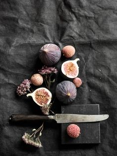 Sigh, such beautiful food styling. Food Styling, Dark Food Photography, Product Photography, Life Photography, Fruit And Veg, Food Design, Food Pictures, Food Art, Food Inspiration